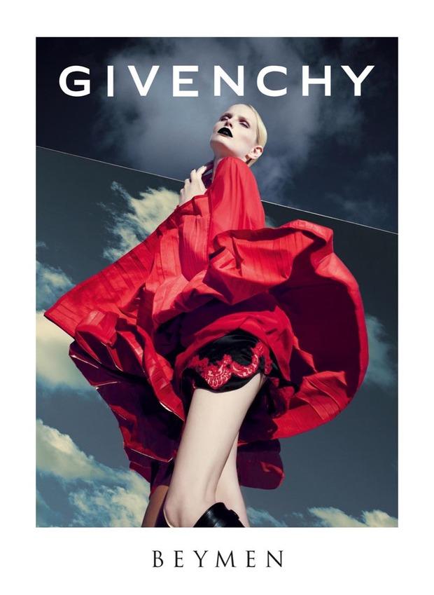 Вышли новые кампании Gucci, Eleven Paris, Forever 21, Moschino и Tomboy. Изображение № 2.