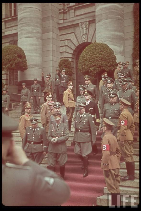 100 цветных фотографий третьего рейха. Изображение №58.