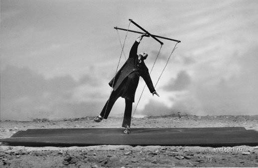 Еще восемь фотографов сюрреалистов. Изображение № 175.