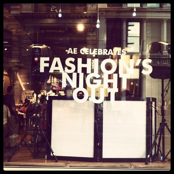 Instagram-фотоотчет о Fashion's Night Out по всему миру. Изображение № 1.