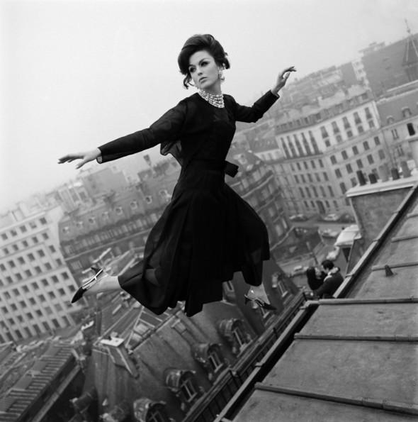 Архивная съемка: летающие модели в Harper's Bazaar, 1965. Изображение № 6.