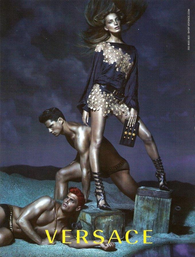 Balenciaga, Jean Paul Gaultier и Versace выпустили кампании. Изображение № 7.