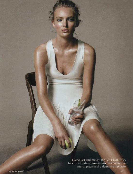 Съёмка: Дэниел Джексон для британского Vogue. Изображение № 11.