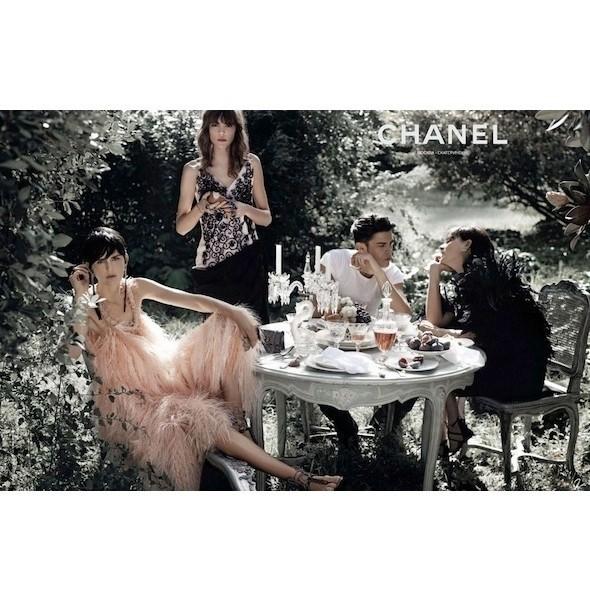 Изображение 2. Рекламные кампании: Chanel, Donna Karan, Stella McCartney и другие.. Изображение № 2.