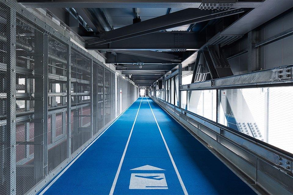 Фото: безупречный минимализм аэропорта вТокио. Изображение № 12.
