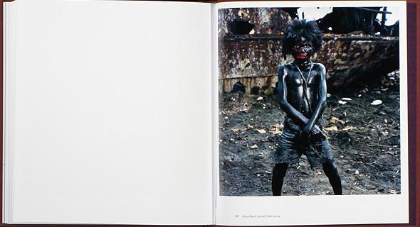 12 альбомов фотографий непривычной Африки. Изображение № 74.