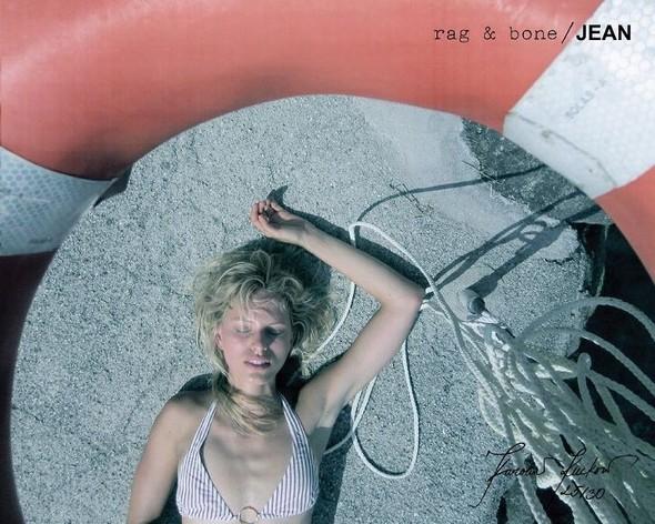 Кампания: Хелена Кристенсен сняла Каролину Куркову для Rag & Bone. Изображение № 25.