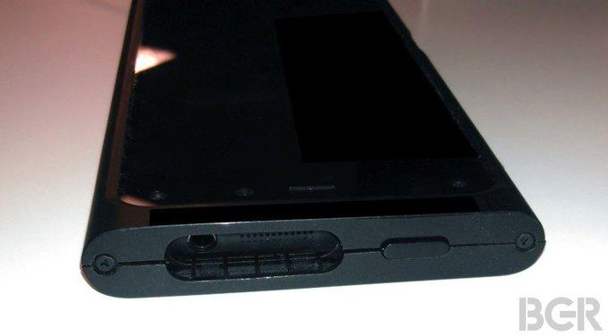 Опубликованы первые фотографии «3D-смартфона» Amazon. Изображение № 3.