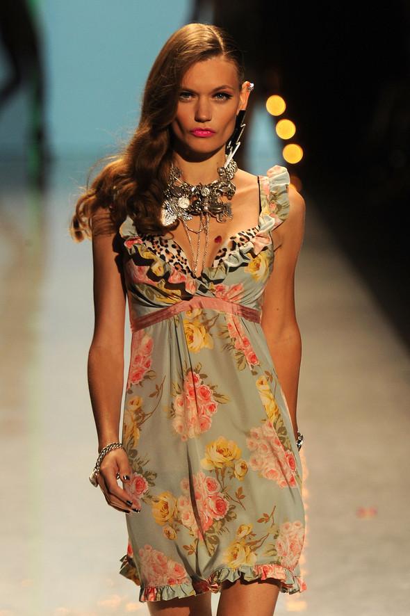 New York Fashion Week: Betsey Johnson Spring 2012. Изображение № 20.