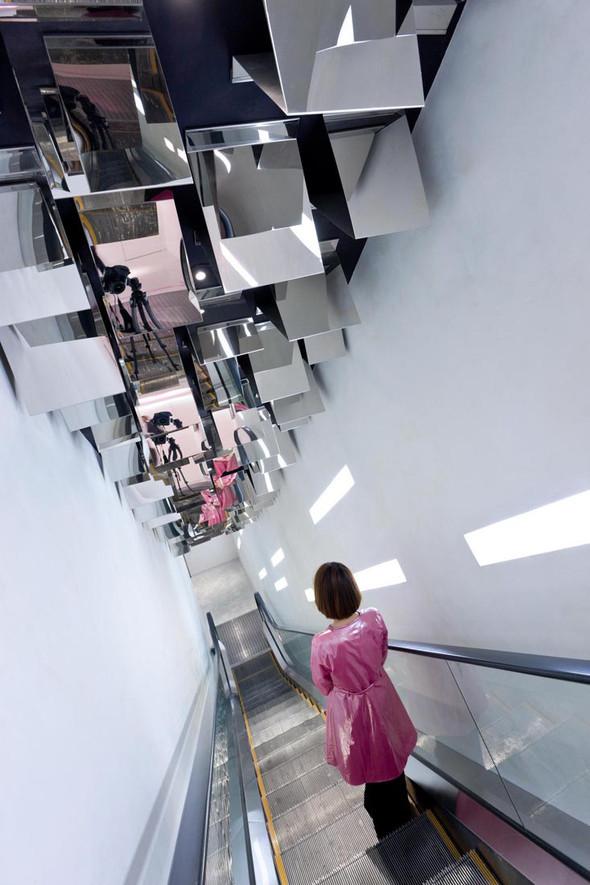 Огромный магазин Barbie вШанхае!. Изображение № 7.