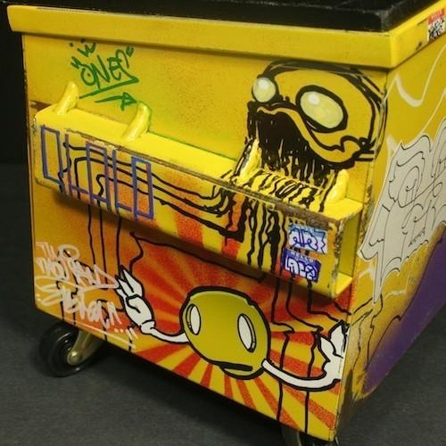 Настольные граффити-контейнеры для цветов и всякой всячины. Изображение № 8.