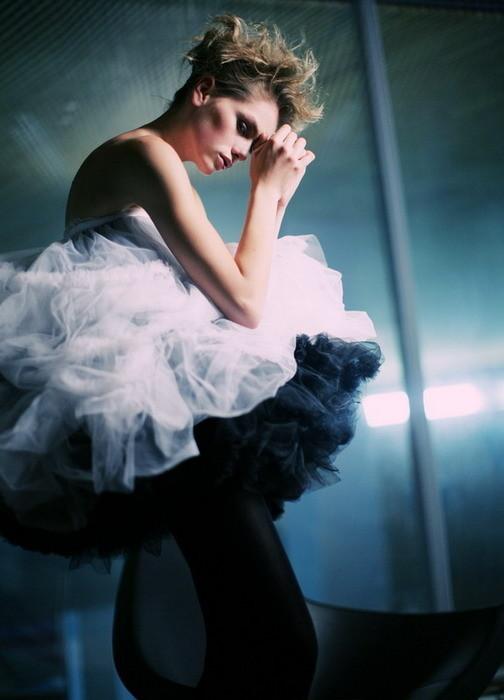 Денис Насонов. Ощущение женщины. Изображение № 4.