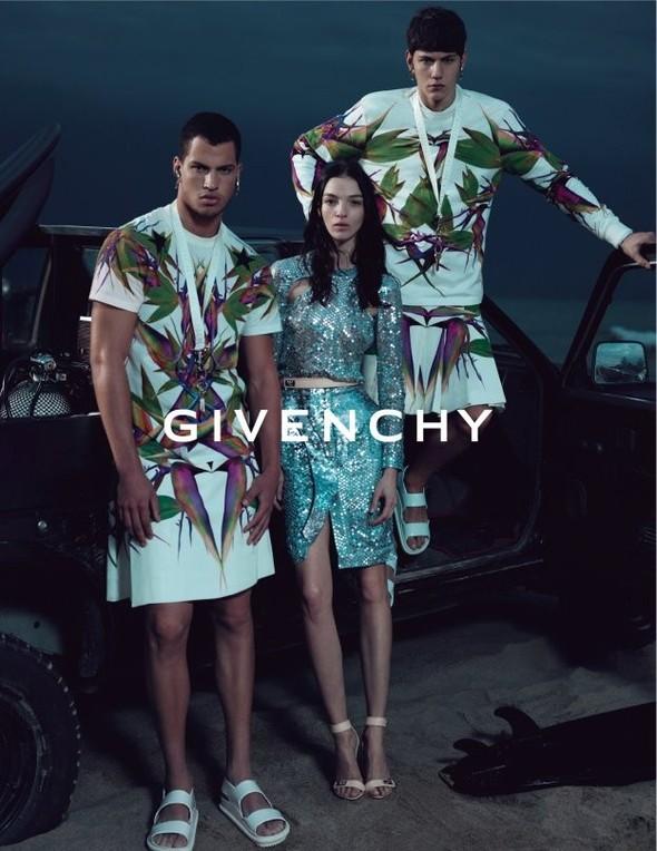 Кампания: Givenchy SS 2012. Изображение № 3.