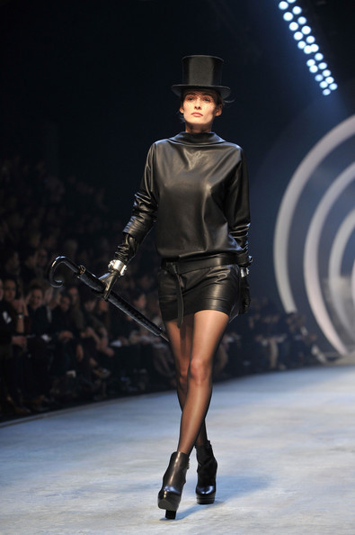 Jean Paul Gaultier for Hermes (fall-winter 2010). Изображение № 18.