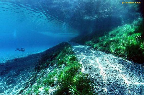 Фотограф Herbert Meyrl. Скамейки под водой. Изображение № 6.