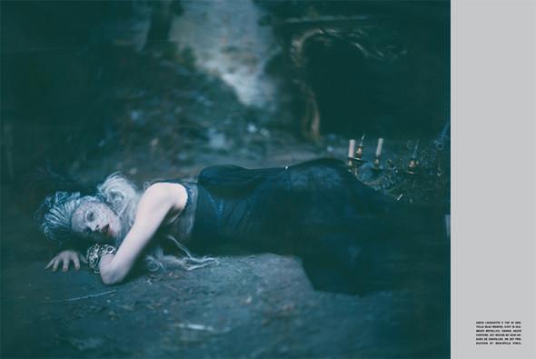 Архивная съёмка: Кристен МакМенами для Vogue Italia, сентябрь 2010. Изображение № 12.