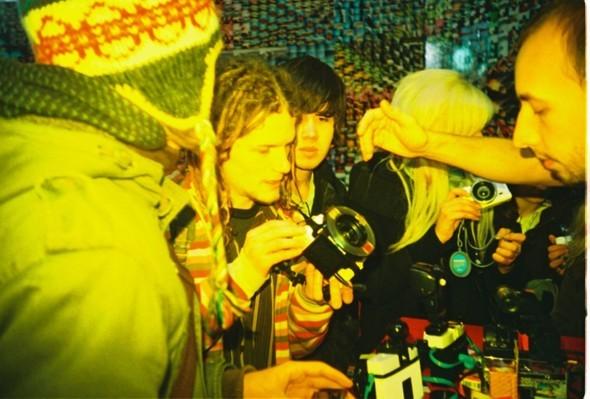Этовам неигрушки! ИлиЛомография наФотоярмарке'09. Изображение № 129.