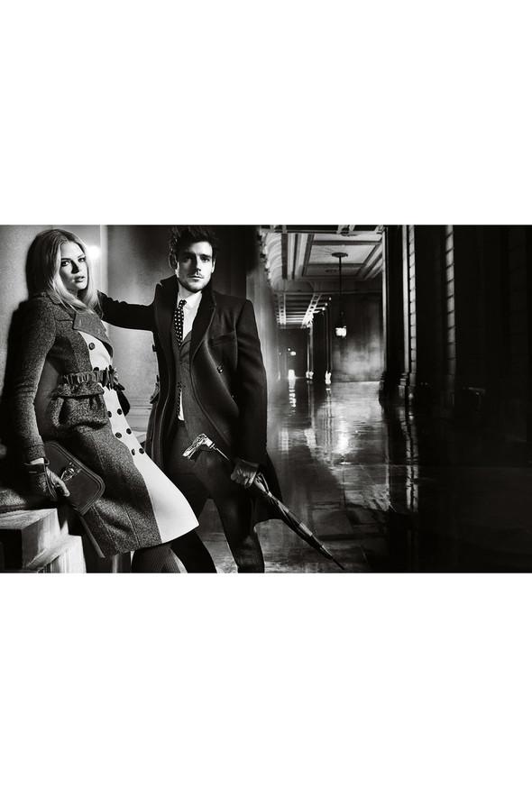 Кампании: Dior, Versace, Gucci и Burberry. Изображение № 47.