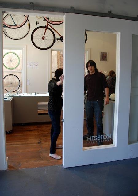 Офис Mission Bicycle Store. Изображение № 7.