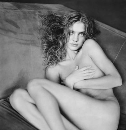 Части тела: Обнаженные женщины на фотографиях 1990-2000-х годов. Изображение №131.