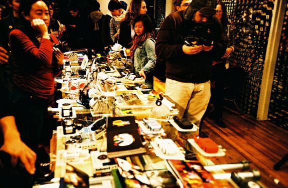 Галерея-магазин Ломографии вНью-Йорке. Изображение № 28.