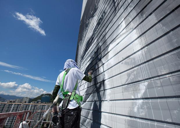 В Южной Корее появилось граффити с небоскреб. Изображение № 4.