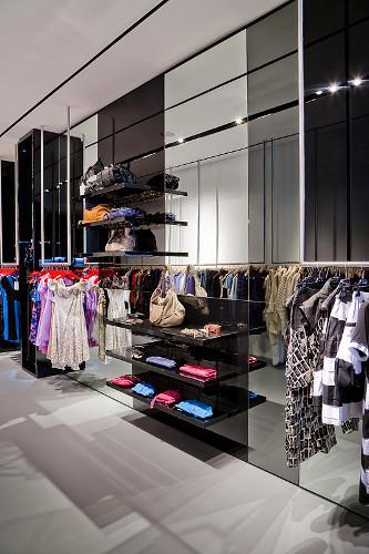 ВМоскве открылся Французский fashion showroom «ATYPIK». Изображение № 11.