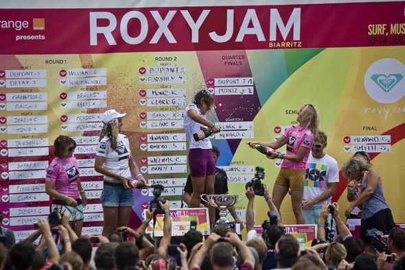 Roxy Jam: почему женский серфинг круче. Изображение № 17.