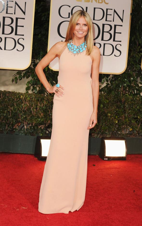 Хайди Клум в платье CK Collection на церемонии премии «Золотой глобус». Изображение № 1.
