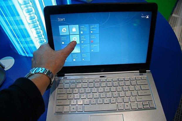 Так, по мнению автора, гибридными ноутбуками пользуются те, кто к ним привык. Изображение № 7.