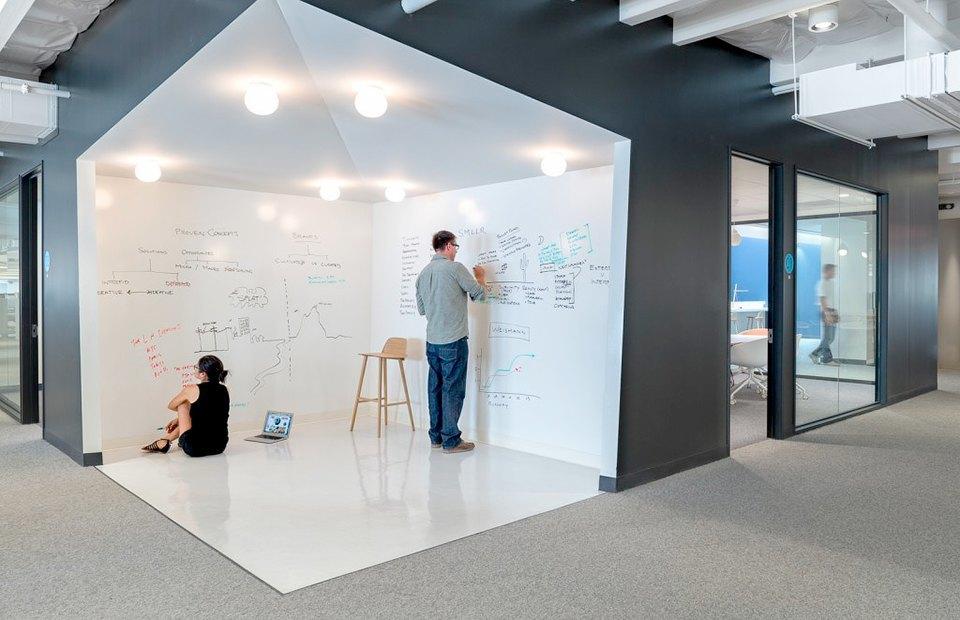 Где работает Доктор Дре: Фоторепортаж из офиса Beats Electronics. Изображение № 14.