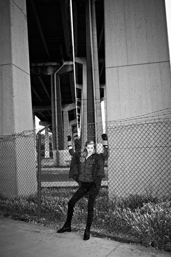 Съёмка: Линдси Уикссон в объективе Терри Ричардсона для Purple Fashion. Изображение № 16.
