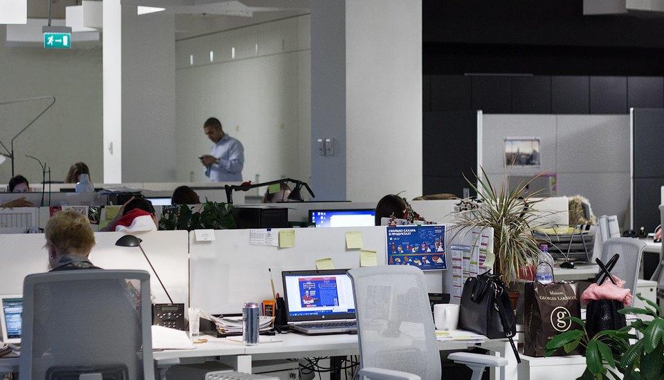 Кто страдает от офисного шума  больше всего . Изображение № 8.