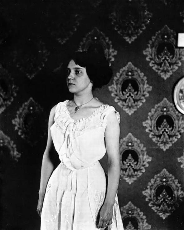 Фотосессия жриц любви 1912 года. Изображение № 12.
