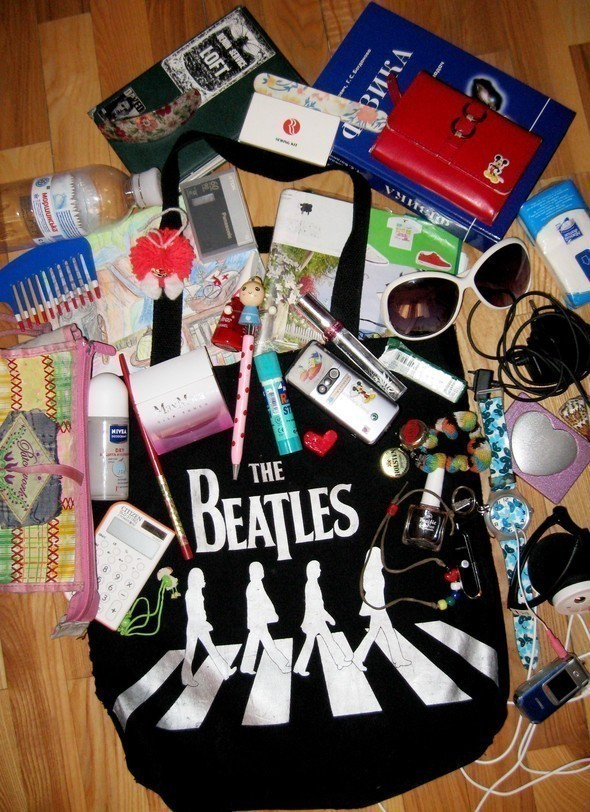 Look at Me: What's in your bag? Часть 2. Изображение № 44.