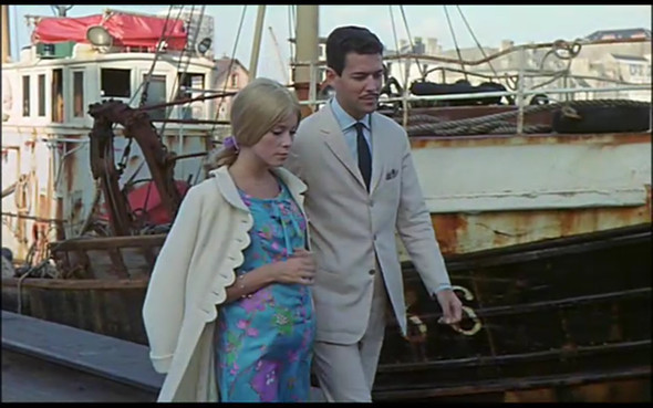Movie-Looks: «Шербурские зонтики». Изображение № 30.