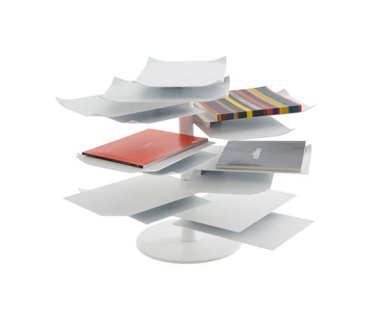 Ligne Roset 2011: столик PAPER TABLE. Изображение № 1.