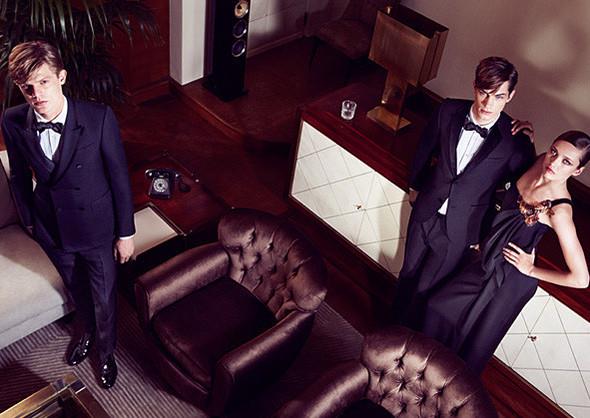 Кампании: Dior, Versace, Gucci и Burberry. Изображение № 38.