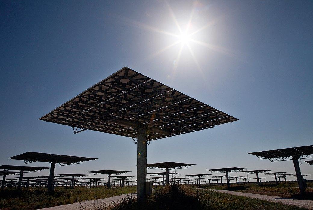 Как выглядит будущее: сотни гектаров солнечных ферм. Изображение № 6.