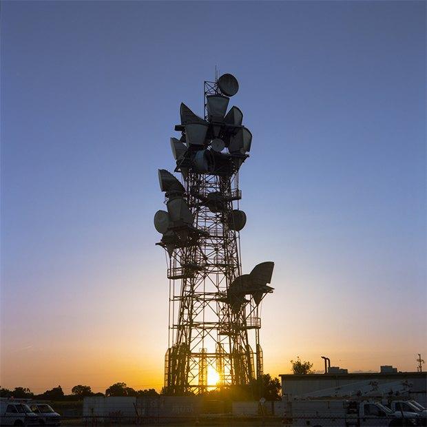 Заброшенные телефонные башни вгорах ипустынях . Изображение № 3.