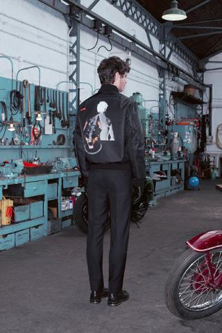 Givenchy, Comme des Garçons, Folk и другие марки показали новые лукбуки. Изображение № 1.