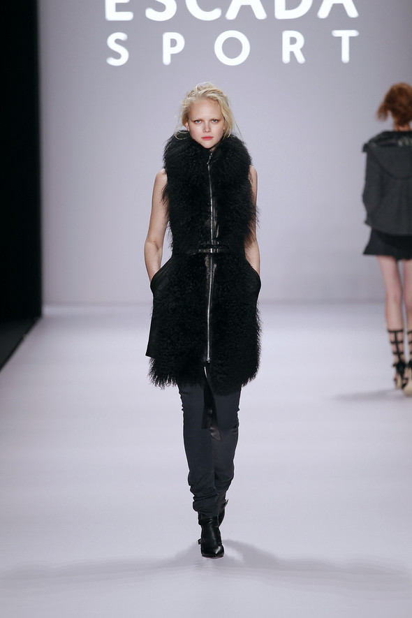 Berlin Fashion Week A/W 2012: Escada Sport. Изображение № 21.