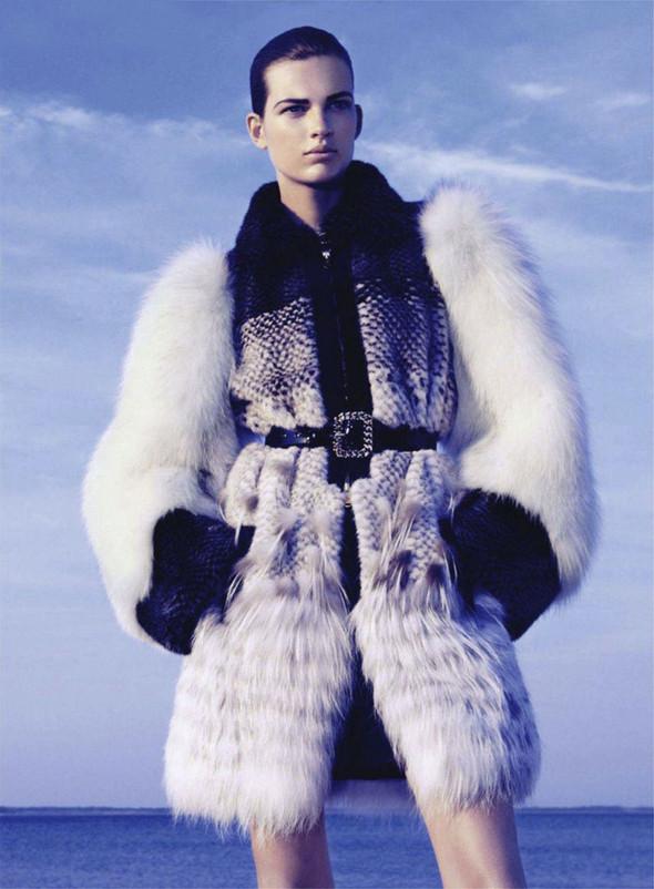 Съёмка: Бетте Франке для Harper's Bazaar. Изображение № 3.