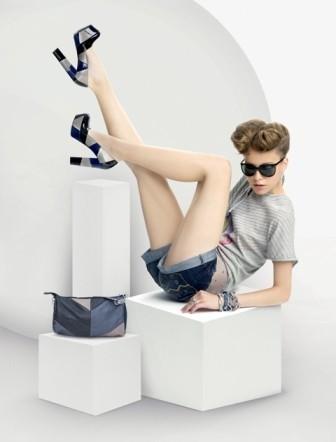 Участницы конкурса «Мисс Рунет 2011» выйдут на подиум в обуви Centro!. Изображение № 1.