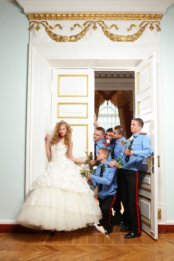 Съемка: свадебные платья. Изображение № 4.