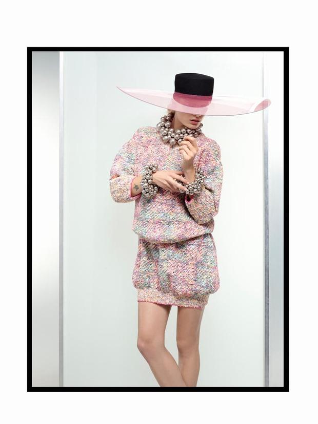 A.P.C., Chanel, MM6, Mother of Pearl, Paule Ka и Yang Li выпустили новые лукбуки. Изображение № 27.