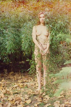 Части тела: Обнаженные женщины на фотографиях 1990-2000-х годов. Изображение №32.