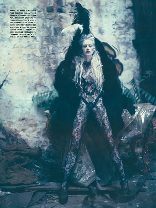 Архивная съёмка: Кристен МакМенами для Vogue Italia, сентябрь 2010. Изображение № 1.
