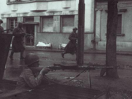 Евгений Халдей – знаменитый фоторепортер войны. Изображение № 16.