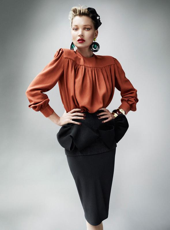 Съёмка: Кейт Мосс для британского Vogue. Изображение № 11.